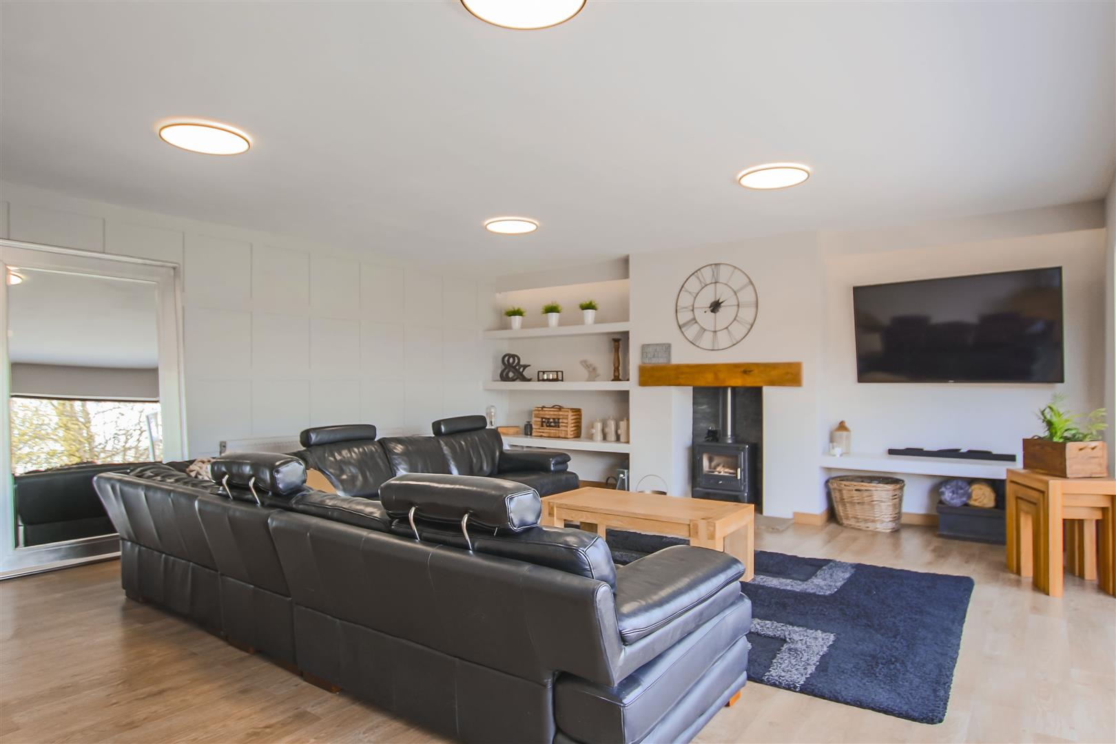 6 Bedroom House For Sale - Image 18